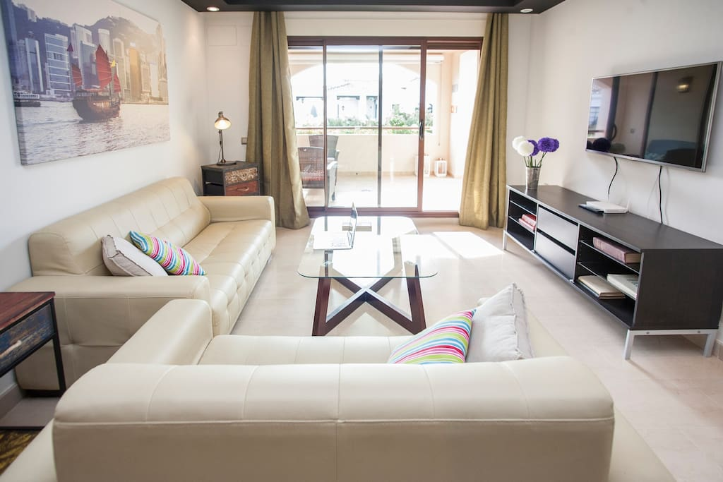 Spacious and comfortable living room, recently decorated
