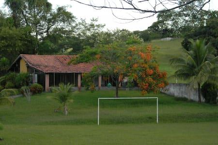 Sítio Ribello Itaboraí. 120 pessoas - Itaboraí - Cabaña