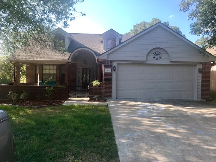 Cozy Patio Home Just minutes from Texas A&M Campus