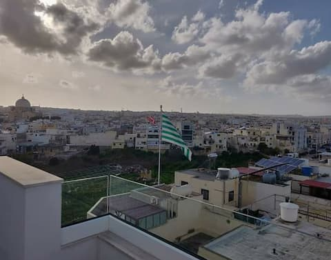 One double bedroom in central Malta