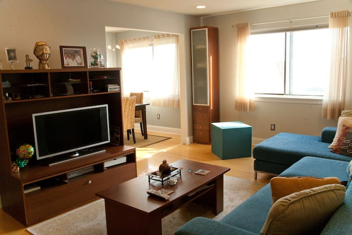 Clean and Neat Condo - Guttenberg - Condominium