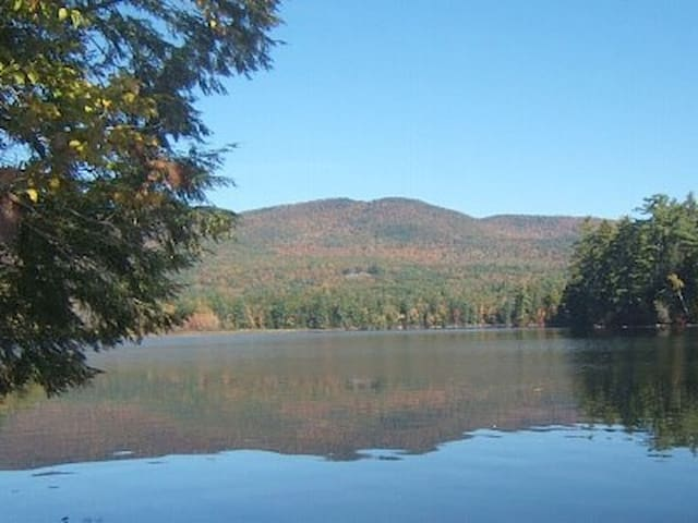 Squam Lake,Quiet Waterfront retreat - Sandwich - Cabin