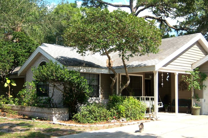 *Quiet priv home on it's own Bayou! Clearwater, Fl