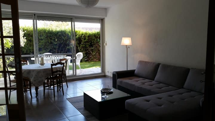 Appartement de charme avec terrasse et jardin