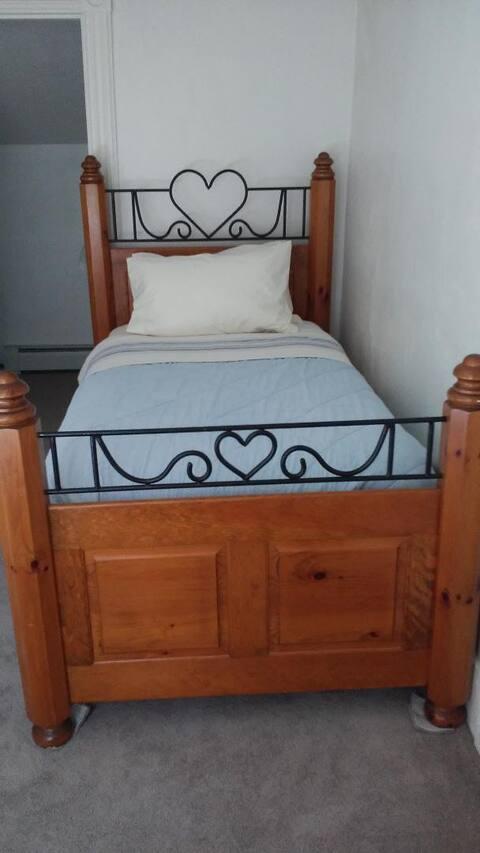 Single Bed /fan