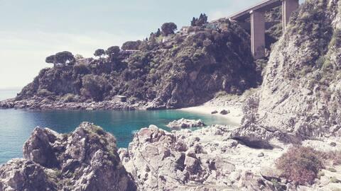 [⭐⭐⭐⭐⭐ - SOVERATO CALETTA ROMANTICA] casa sul mare