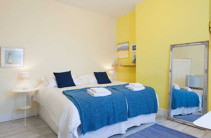 Feel at home by the seaside YR - Margate - House