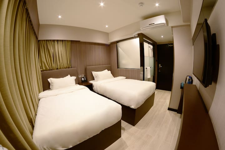 Twin Room@hub of Kowloon to Airport and China