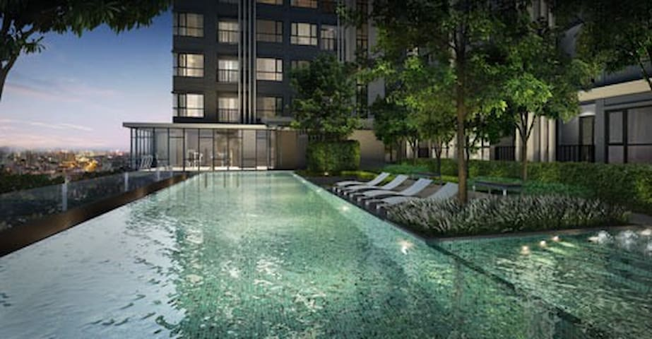 The Base Condo Near  BTS Onnut - Bangkok - Apartamento