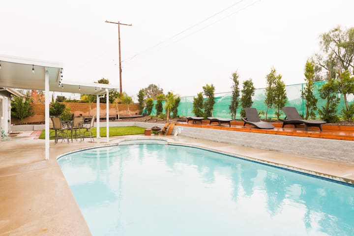 Newly Remodeled Home With Pool in Thousand Oaks