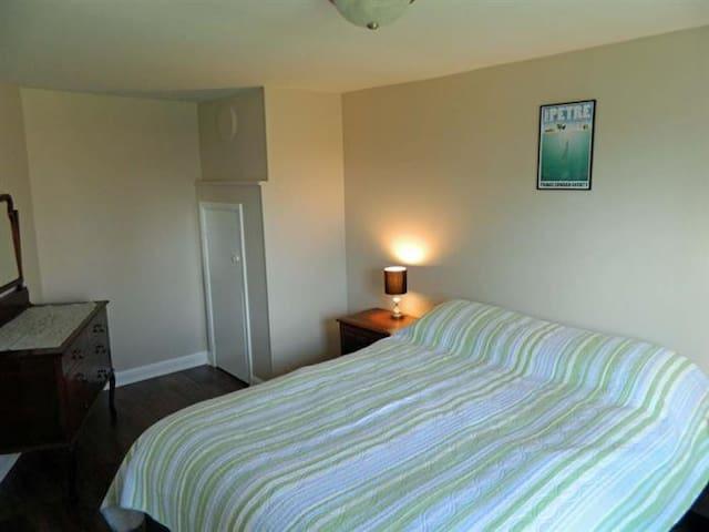 Bedroom #1