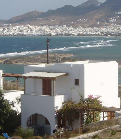 Huis Marilena. Rust dicht bij zee. - Stelida - Casa