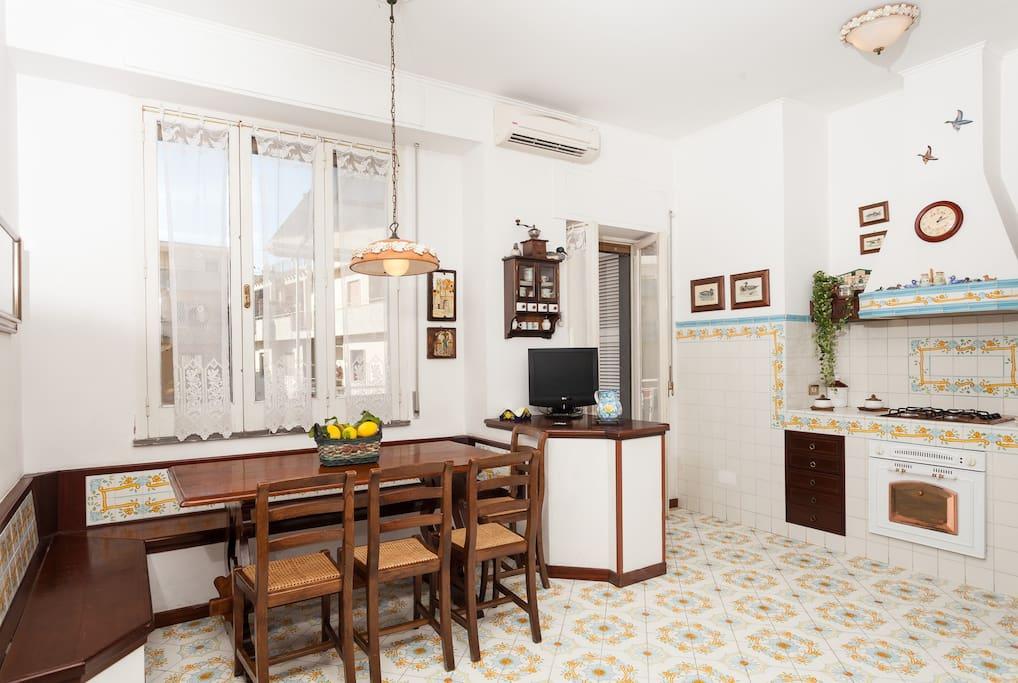 Casa romano piano di sorrento houses for rent in piano - Piano casa campania 2016 ...