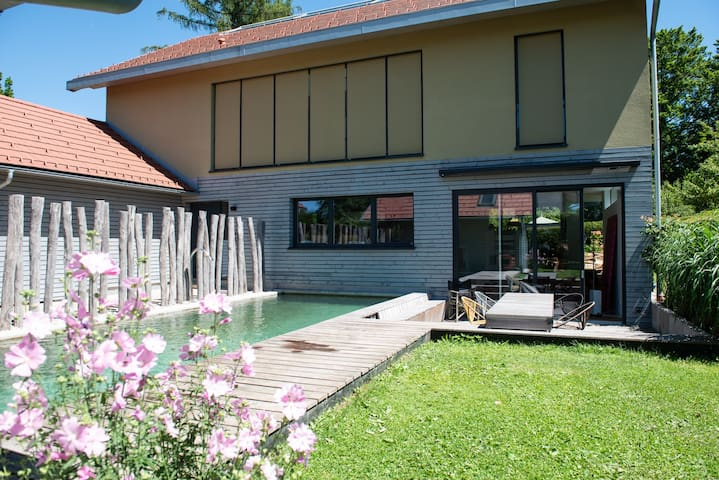 Villa with pool at Lake Starnberg, close to Munich
