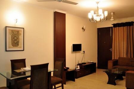 Service Apartments In Delhi (2BHK-Hauz Khas) - Nova Deli