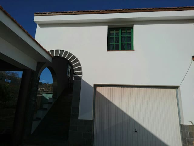 Apartamento Familiar - Las Casas - บ้าน