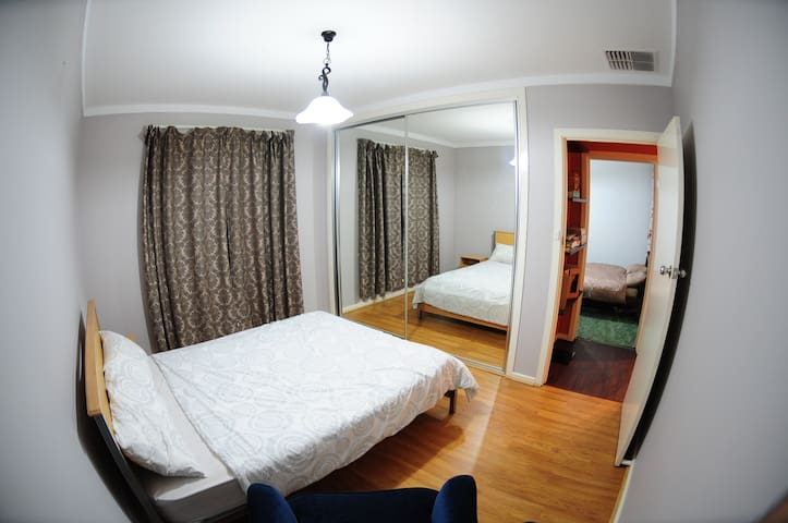 Deluxe room close to CBD