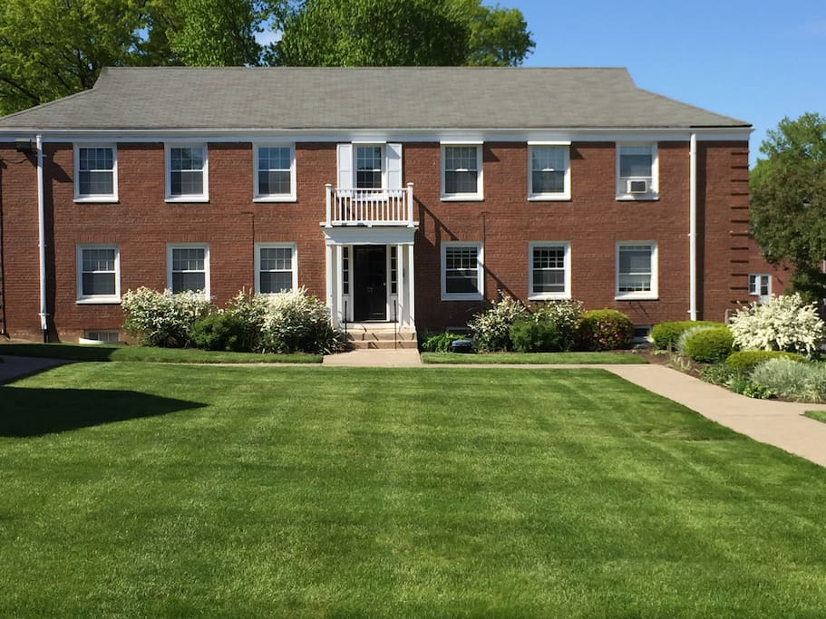 Chic West Hartford Center Apartment Apartments For Rent