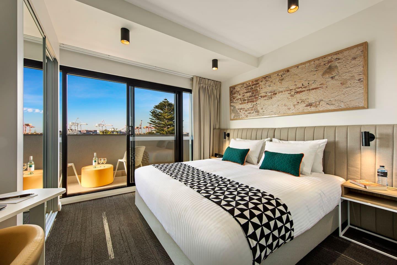 Exec studio apartment with balcony