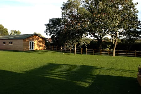 English Countryside Cottage - Barrow upon Soar - Talo