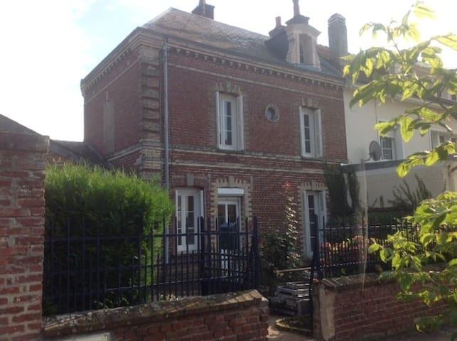 La Petite Eudoise-Normandie - Eu - Casa