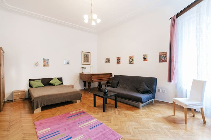 Very central, cosy home with piano - Budapest - Apartmen