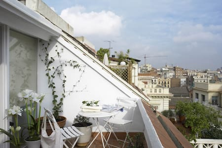 Charming Atic with 2 Terraces - Barcelona - Lejlighed