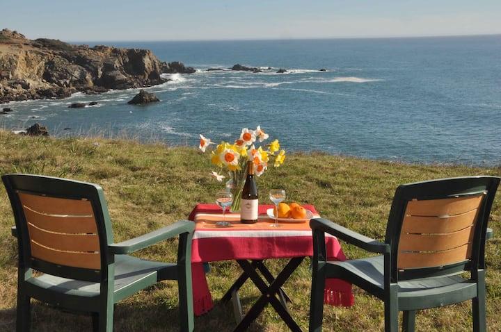 Ocean Hideaway: a Romantic Retreat!