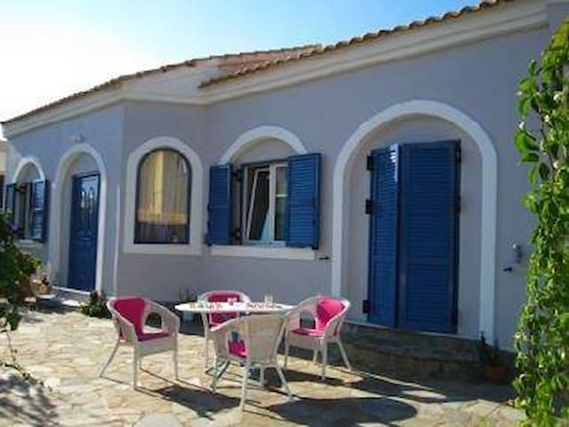 Pastel colors on the beach - Corfù Grecia - Apartament