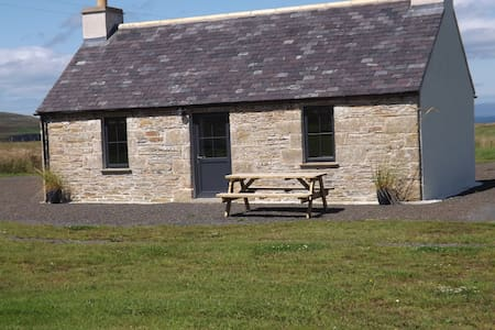 Caithness Coastal Cottage. Self catering rental .