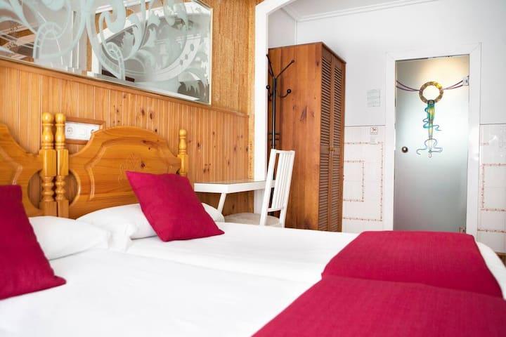 Hotel Dato - Habitación Individual - centro ciudad
