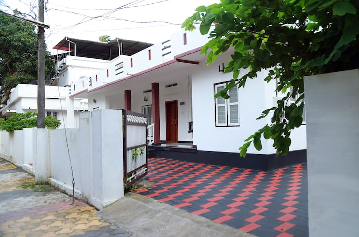 Alleppey Homes (Whole House)