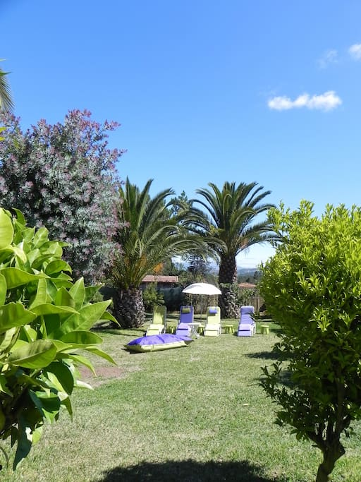 Maison de charme pr s de la mer houses for rent in antas for Antas jardin