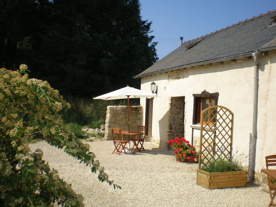 Parsley Cottage - perfect outside eating area for that morning coffee