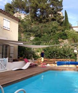 villa 3 chambres, piscine, Provence - Auriol