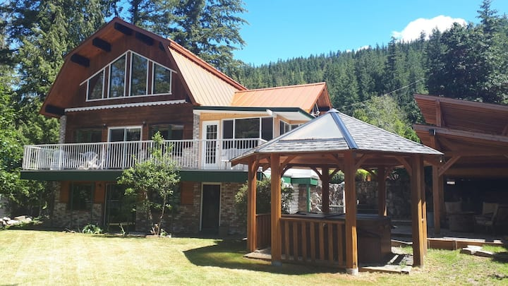 Welcome to your Sicamous Vacation!