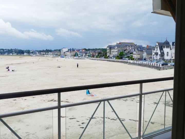 Duplex sur la Grande plage de St Cast