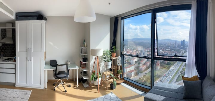 30th Floor Amazing Cozy Studio Apartment