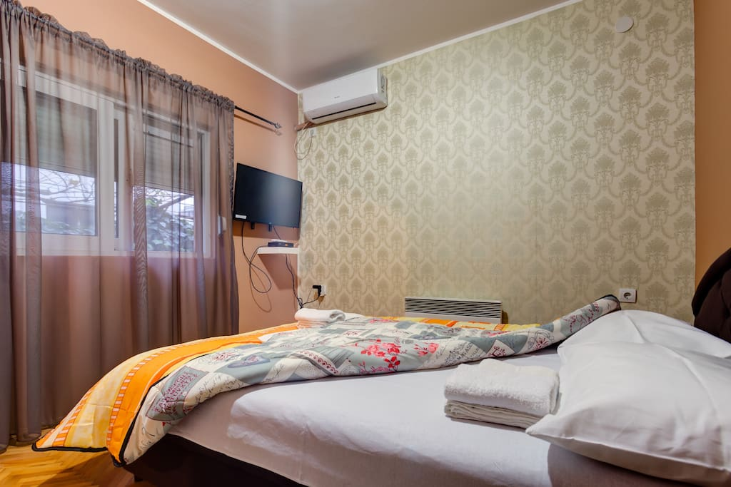 If the sleep is not coming easily, there is a flat screen TV with cable channels. AC and heater are also there so our guests can adjust temperature accordingly.