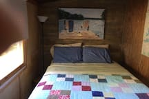 Queen Size Bed - Very comfortable mattress! Wake up early and watch the deer out your window!