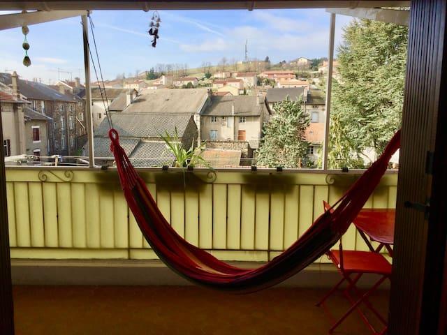 Chambre privée dans appartement avec terrasse - Yssingeaux - Byt