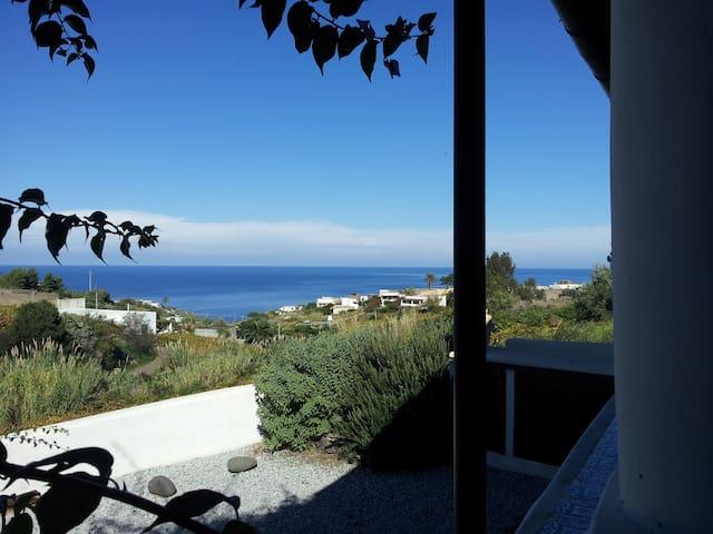 Casa Epta Pippi, adatta per coppie, vicino al mare - Malfa - Pis