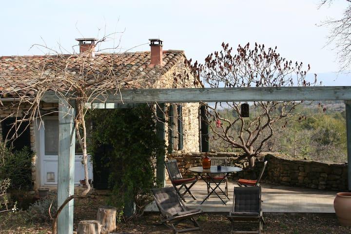 """Maison d'hôtes """"La Bouquiere"""" Bonnieux 84480 - Buoux - Pis"""