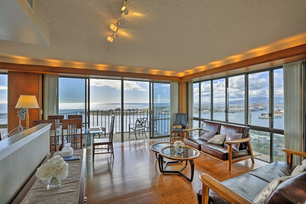 Situated on the 26th floor, this 2-bedroom, 2-bathroom condo boasts breathtaking ocean views.