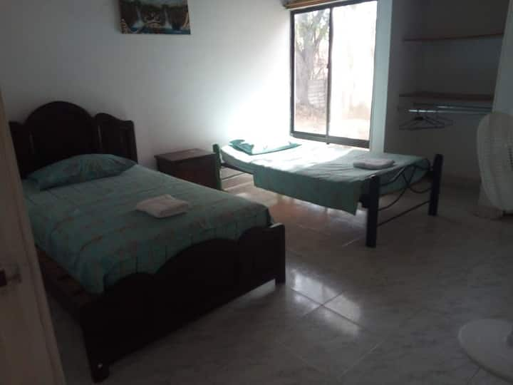 Casa Independiente Semi Campestre Tatacoa Desierto