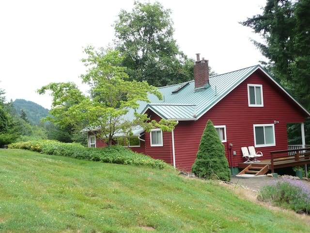Spectacular Mtn. Views plus Privacy - Mount Hood Village - 一軒家