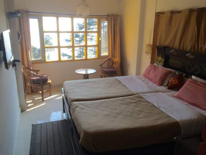 Deluxe room 1stfloor Mcleodganj Bed and Breakfast