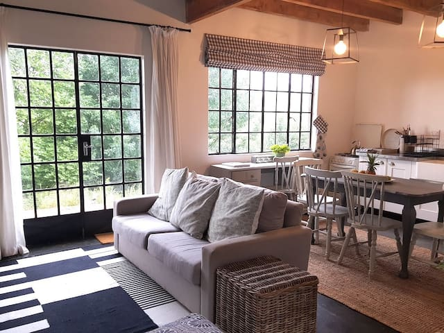 Charming Loft Cottage w/ Country Views & Fireplace