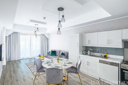 LUX | The Superior IBN Residence - 3 Beds