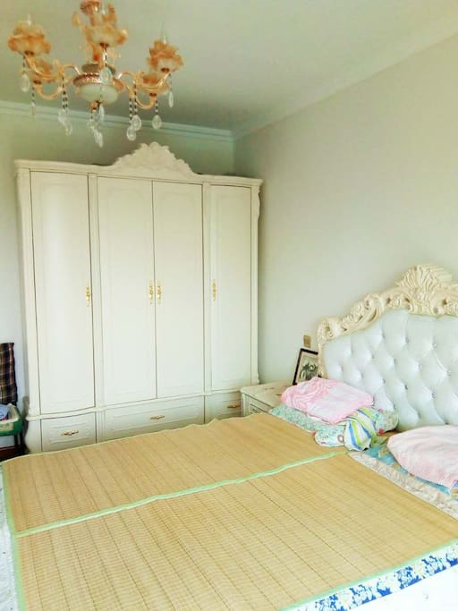 欧式床和衣柜